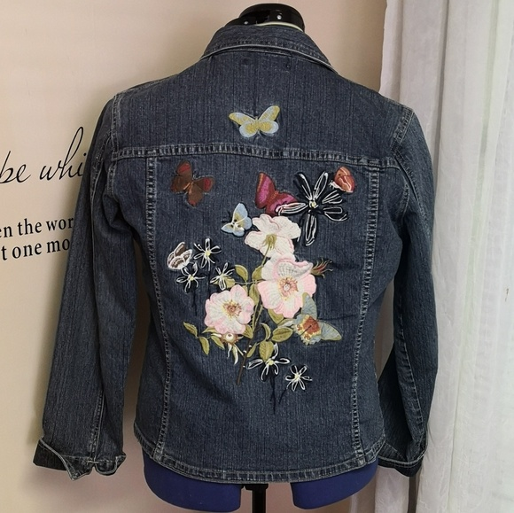 Vintage blue denim jacket with wolf and flower embroidery